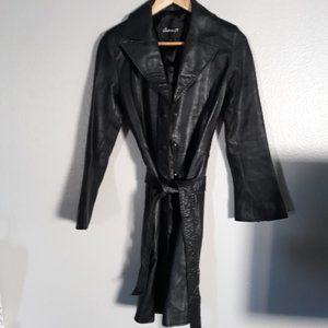 LIKE NEW ARDEN B TRENCH COAT